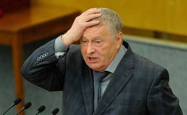 Владимир Жириновский предложил увольнять депутатов, которые сидят в Думе без масок