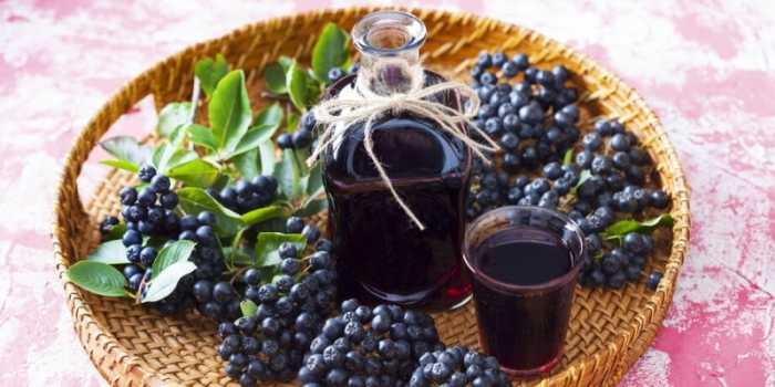 Эксперты объяснили, может ли рябиновый сок подавлять в организме коронавирус