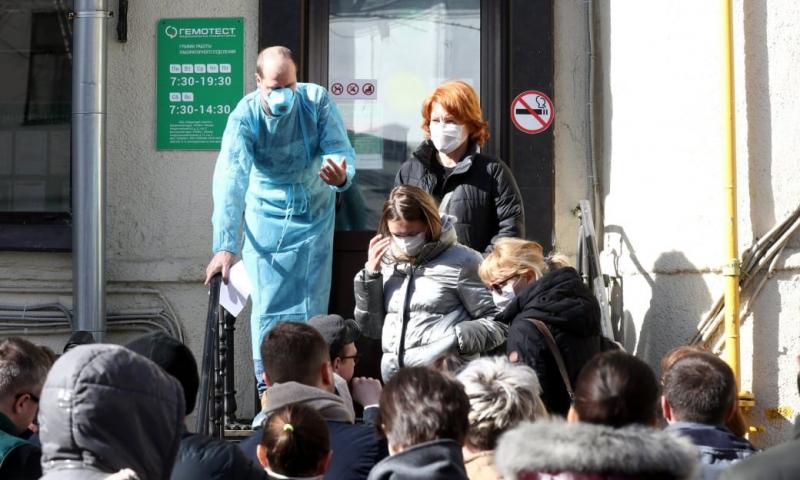 Новые правила для контактировавших с больными коронавирусом опубликовали в Роспотребнадзоре