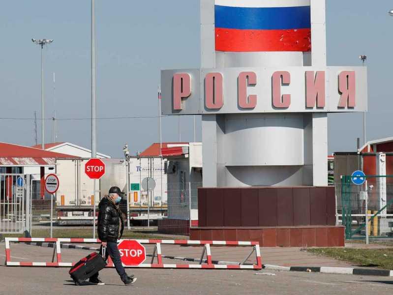 Откроют ли границу с россией 1 августа дубай кафе официант работа