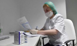 Голикова поручила дополнить сертификат вакцинированного данными о сроках действия прививки