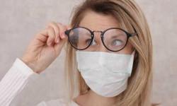 Передается ли COVID-19 через глаза: защита посредством очков