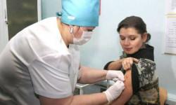 Когда начнется вакцинация учителей от коронавируса: будет обязательной или нет